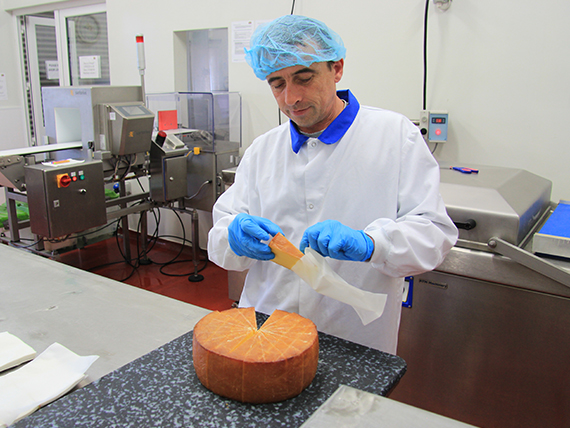 Cheese Cutting & Wrapping